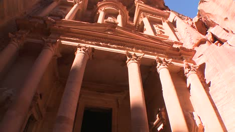 Low-angle-view-of-the-facade-of-the-Treasury-building-in-the-ancient-Nabatean-ruins-of-Petra-Jordan-1