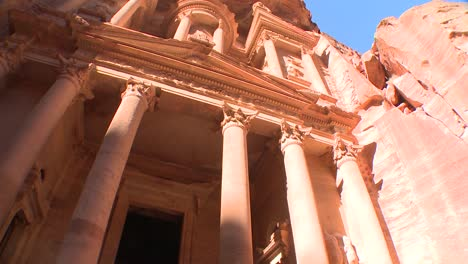 Low-angle-view-of-the-facade-of-the-Treasury-building-in-the-ancient-Nabatean-ruins-of-Petra-Jordan-2