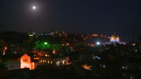 Die-Felsenkuppel-Thront-Nachts-über-Der-Altstadt-Von-Jerusalem-1