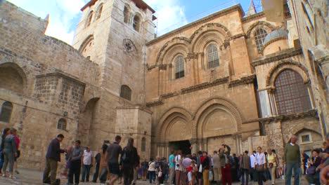 El-Exterior-De-La-Famosa-Iglesia-Del-Santo-Sepulcro-En-Jerusalén-ISRAEL