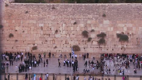 Wünsche-Pilger-Beten-An-Der-Klagemauer-In-Jerusalem-Israel