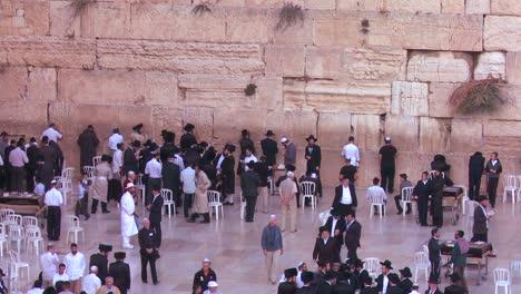 Jüdische-Pilger-Beten-An-Der-Klagemauer-In-Jerusalem-Israel