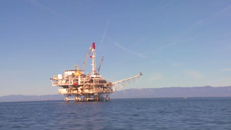 An-oil-platform-off-the-coast-of-Santa-Barbara-California-as-seen-from-a-boat-passing-nearby-1