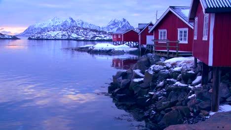 A-beautiful-snowy-fishing-village-in-the-Arctic-Lofoten-Islands-Norway