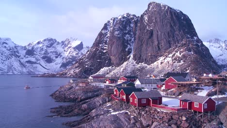Gorgeous-view-of-a-red-fishing-village-in-the-Arctic-Lofoten-Islands-Norway-1