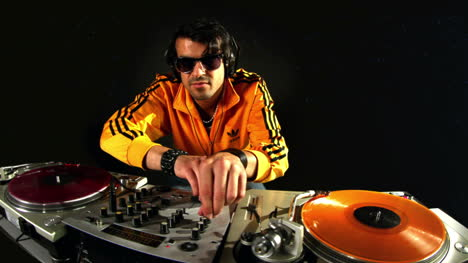 Man-Retro-DJ-69