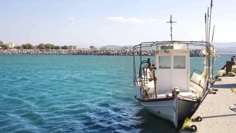 Barco-de-pesca-de-Creta0