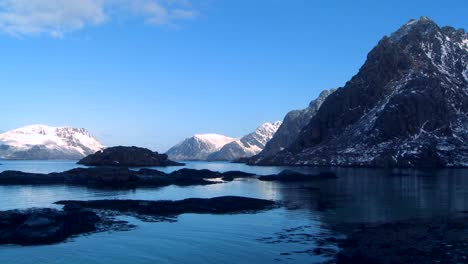Gorgeous-winter-fjords-north-of-the-Arctic-Circle-in-Lofoten-Islands-Norway