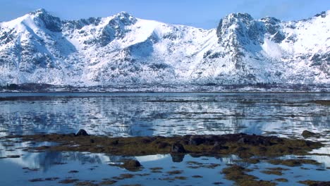 Gorgeous-wintertime-fjords-north-of-the-Arctic-Circle-in-Lofoten-Islands-Norway-1