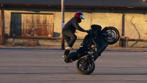 A-rider-performs-amazing-stunts-on-a-motorcycle-in-slow-motion-2