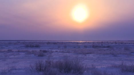 Sunset-or-sunrise-over-the-frozen-arctic-tundra