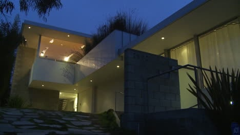 Exterior-of-a-modern-architecture-house-dusk-or-night-2