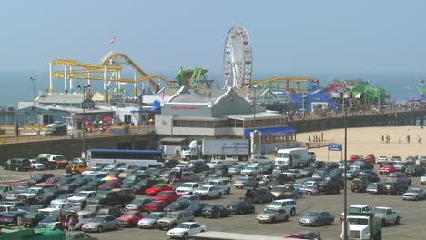 El-Parque-De-Atracciones-En-El-Muelle-De-Santa-Mónica-California-