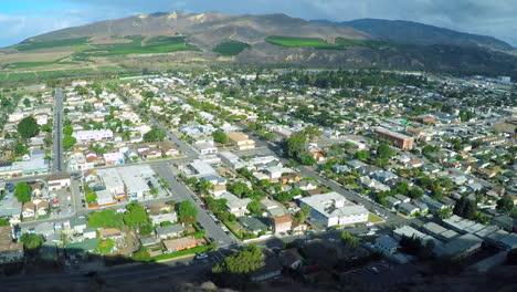 Una-Toma-Aérea-Revela-La-Ciudad-Costera-De-California-De-Ventura-2