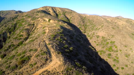 Aerial-shot-over-the-hills-of-Southern-California