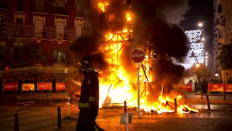 Fallas-Burning-0-17