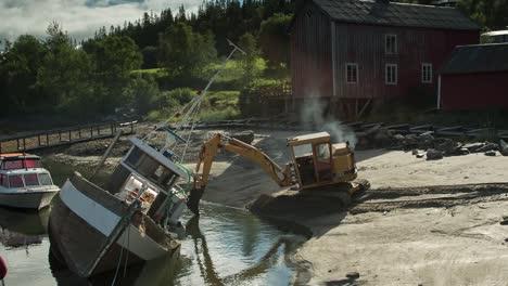 Fallen-Boat-01