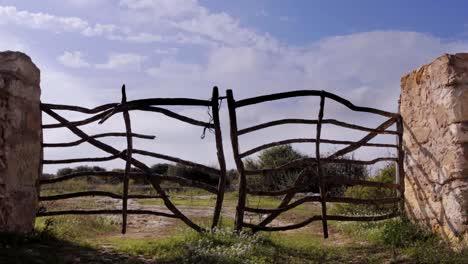 Farm-Gate-01