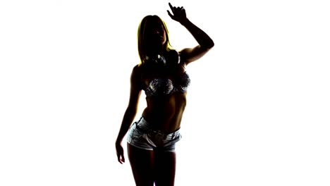 Woman-Dancing-Studio-Video-14