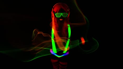 UV-Glowing-Woman-13