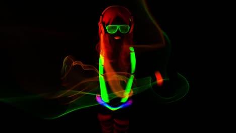 UV-Glowing-Woman-13
