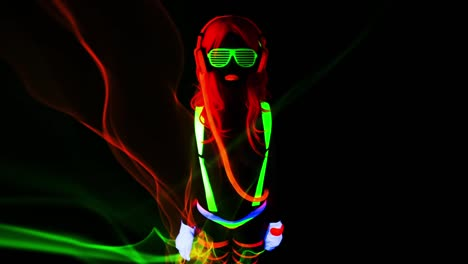 UV-Glowing-Woman-15