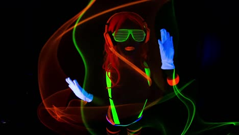 UV-Glowing-Woman-18