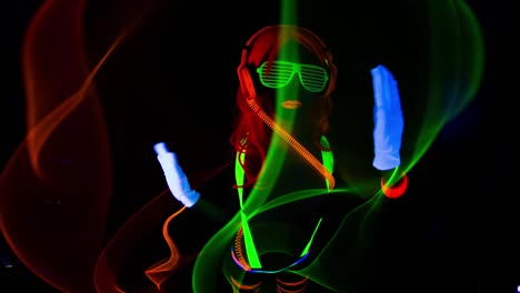 UV-Glowing-Woman-19