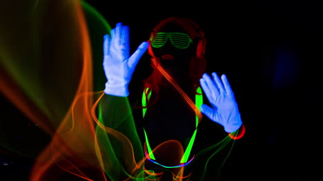 UV-Glowing-Woman-21