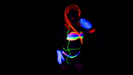 UV-Glowing-Woman-33