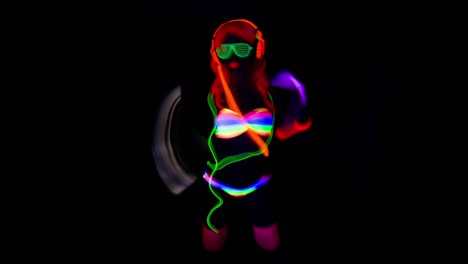 UV-Glowing-Woman-35
