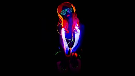 UV-Glowing-Woman-51