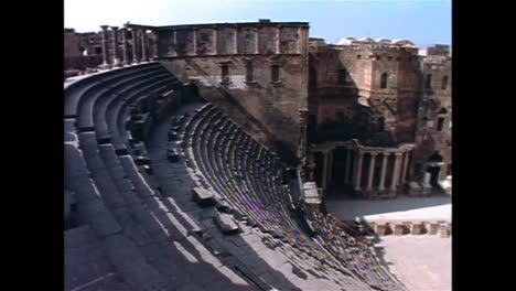 Las-Famosas-Ruedas-Hidráulicas-De-Madera-De-Hama-Siria-En-1996-Ahora-Destruidas-1