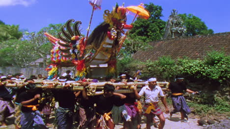 A-huge-Hindu-religious-procession-moves-towards-a-cremation-ceremony-in-Bali-Indonesia