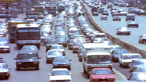 Heavy-traffic-on-the-streets-of-Beirut-Lebanon-1