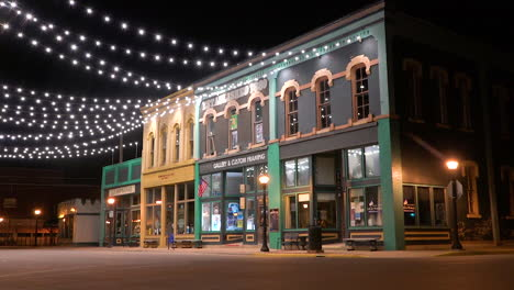 Pleasantly-lit-historic-storefronts-at-night-in-Bay-City-Michigan