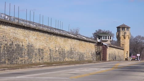 Toma-De-Establecimiento-De-La-Extinta-Prisión-De-Joliet-Cerca-De-Chicago-Illinois-1