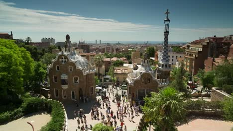 Guell-Raw-00