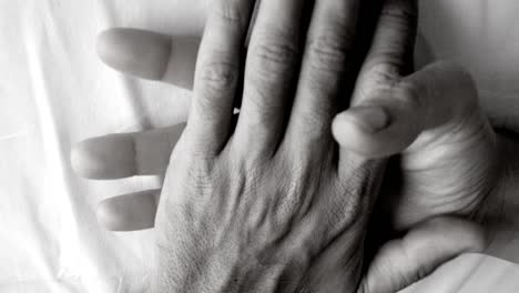 Hand-Love-04