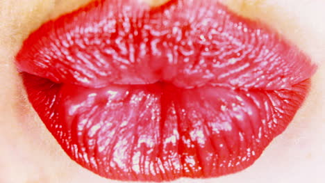 Woman-Lips-00