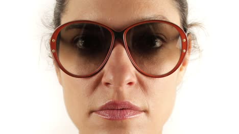 Woman-Sunglasses-02