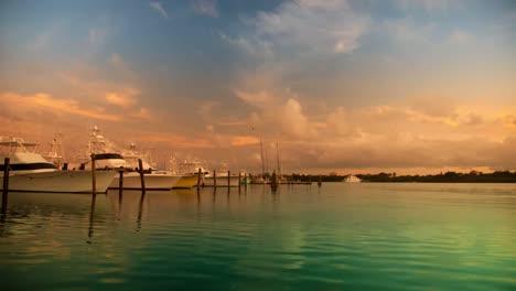 Isla-Mujeres-Boats-05