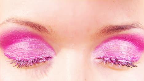 Lady-Opening-Eye-03