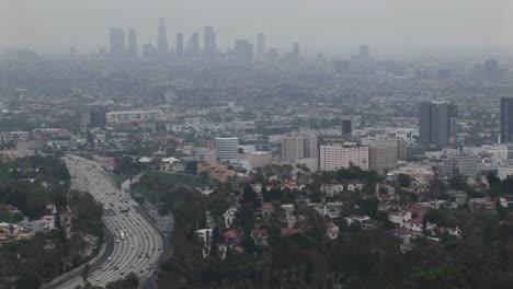 El-Smog-Cuelga-Del-Paisaje-Urbano-Lejano-1