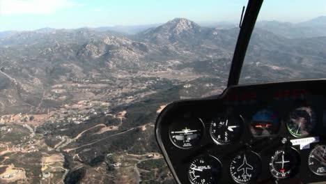 A-plane-flies-over-a-mountainous-area