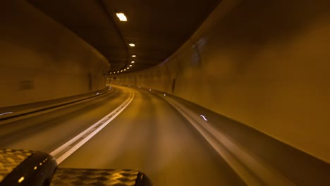 Landrover-Tunnel-00