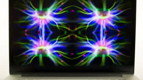 Laptop-Screensaver-04