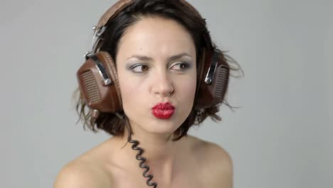 Young-Woman-Headphones-13