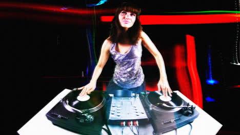 Young-Woman-DJ-06