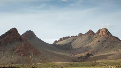 Montaña-solitaria-00